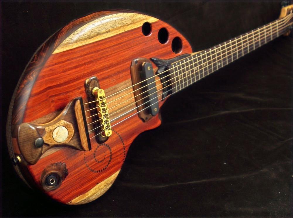 Semi hollow guitar