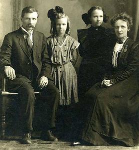Knute Josephine Melby family.jpg