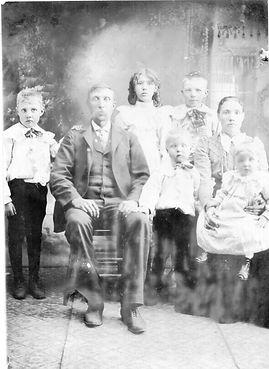 Hedahl, O. S.  family low (2).jpg