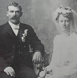 Martin and Clara Moen-wedding.jpg