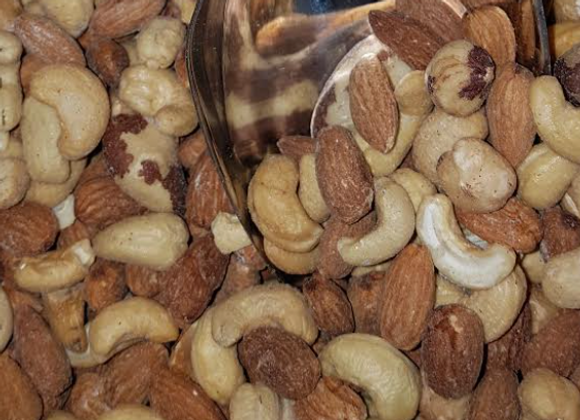 Mixed nuts with salt