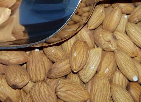 Raw almonds (pesticide free)