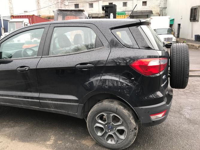 Ford EcoSport Black side2