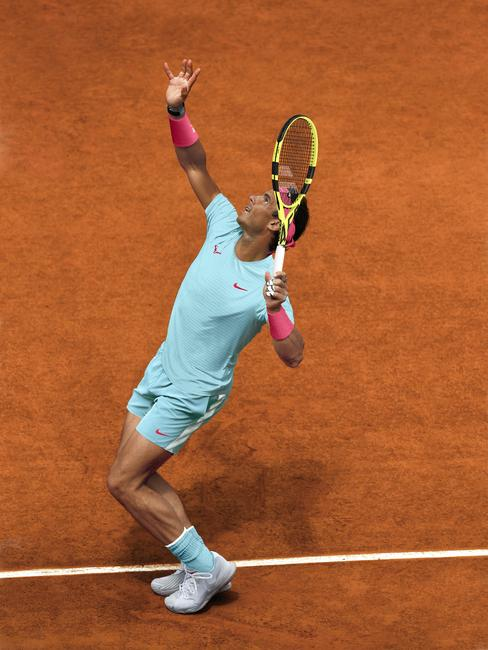 SU20_COURT_RNADAL_SEASONAL_STILL_004 (NX