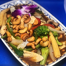 M10) PAD MED MAMUONG (Cashew Nuts with Chili Jam)