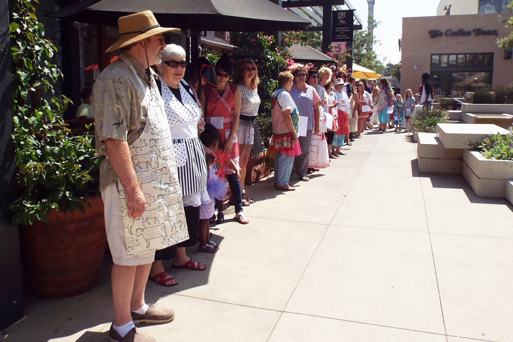 ClaremontPieFestival_aprons_1121.jpg