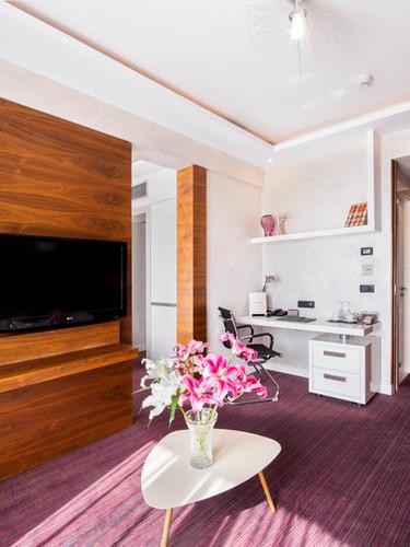 Crystal Suite - Livinig room