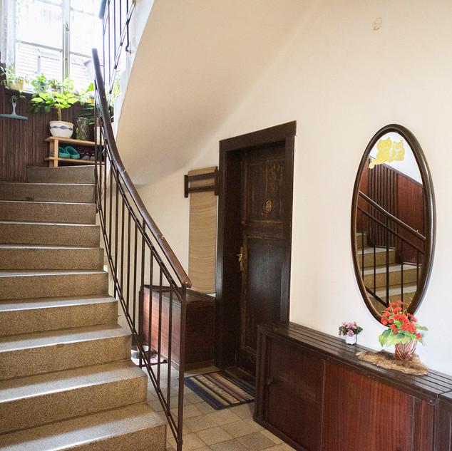 Centrální schodiště