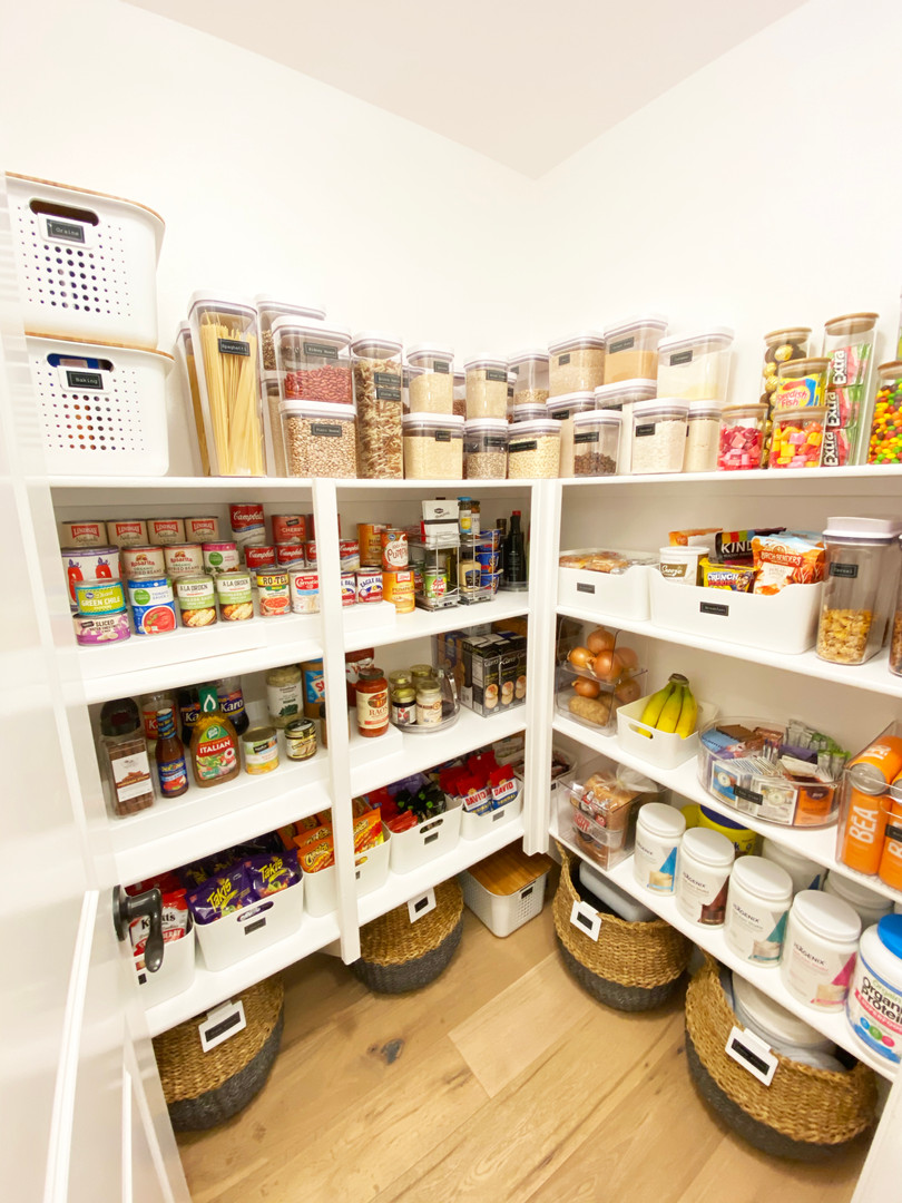 Pantry-after.jpg