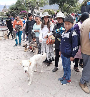 Peru-rescue-centre-work-with-local-popul