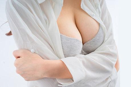 breast-implants.jpg