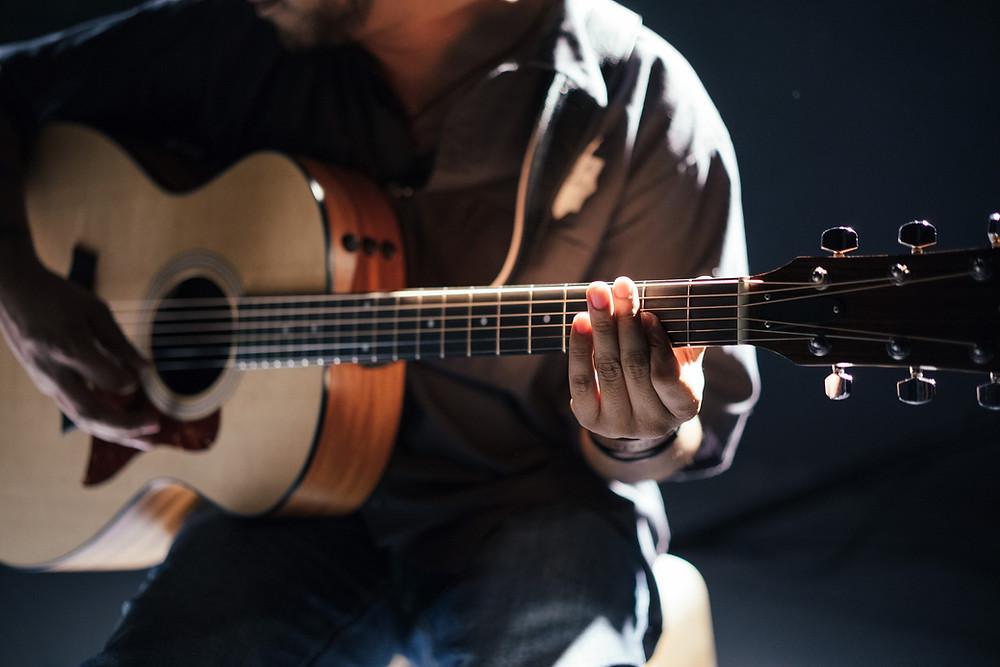Gitarrist Entspannt