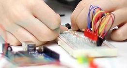 Robotica educativa, arduino, robotica, maker, microbit, adafruit, raspberry pi, arcade, diy, microelectronica, mucia, makers, robot, curso, robotica, electronica
