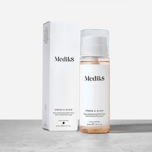 Medik8 Press & Glow - Отшелушивающий тоник для частого использования с PHA 5,5%