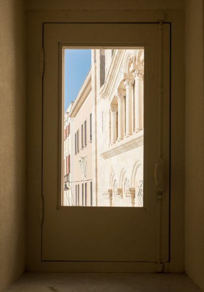 Cagliari: City of Extremes
