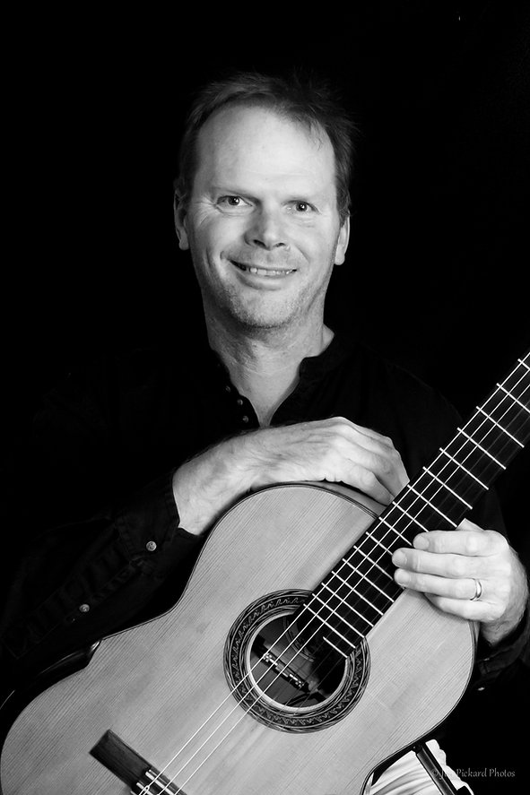 Jon Pickard Classical Guitarist for hire