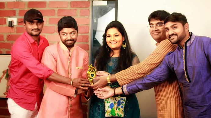 DR Anusha Receiving Smule Star Award