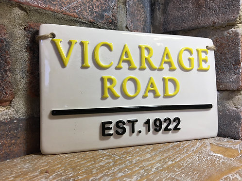 VICARAGE ROAD-Watford Street Sign
