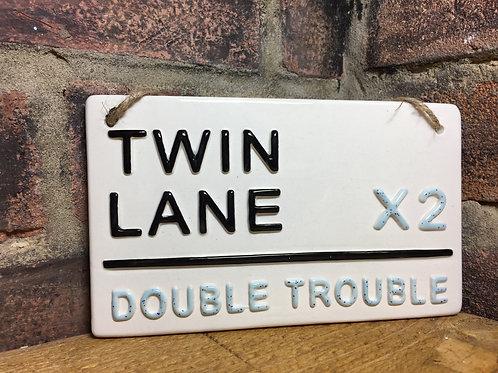 TWIN LANE-Double Trouble