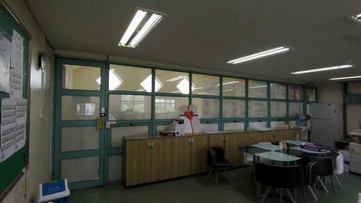 기존 교무실 유리벽