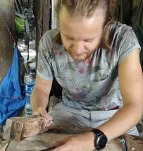 learning to carve-wood-gallery.jpg