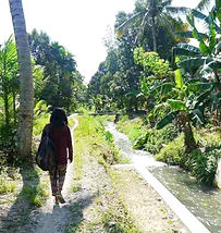 walking%20irrigation%20canal_edited.jpg