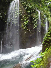 Tongkat-waterfall.jpg