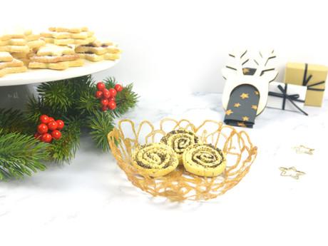 Goldene Adventsschale aus Heißkleber