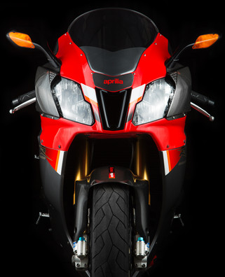 Aprilia RSV 1000 R Factory Red Photograp