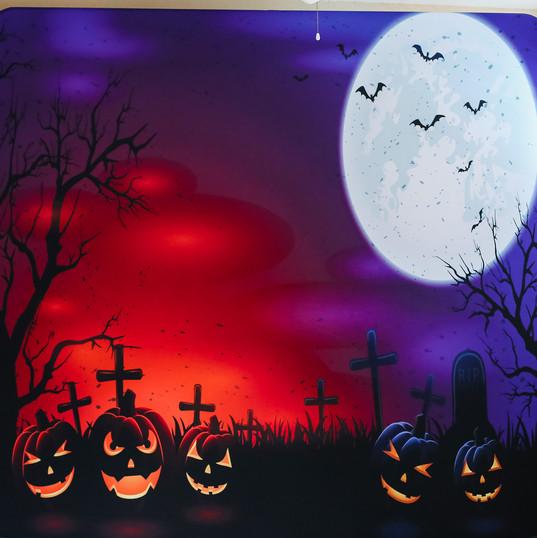 halloweenr.jpg