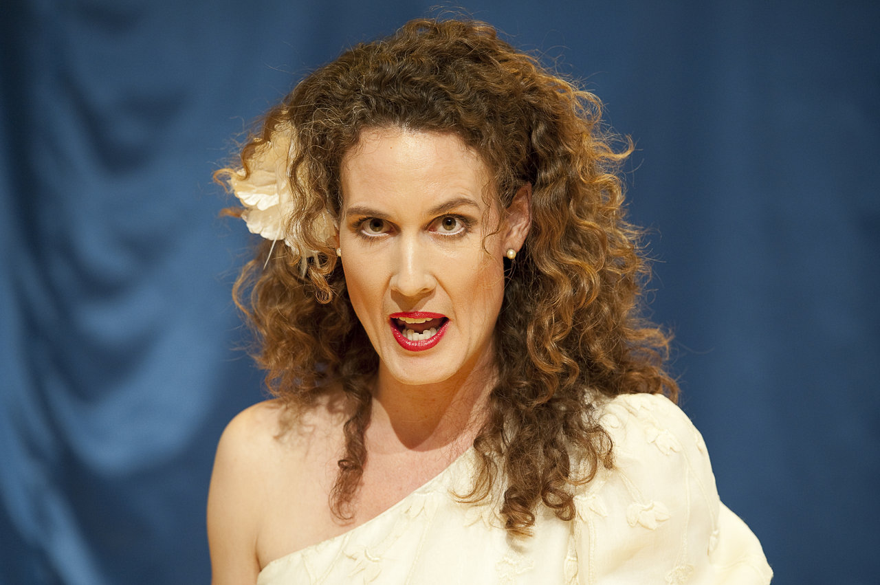 Maja Hermann als Tessa