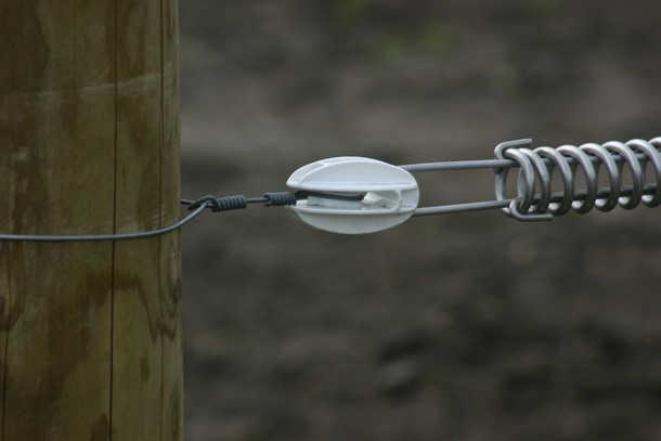 Stahlspannfeder + Zugisolator.JPG