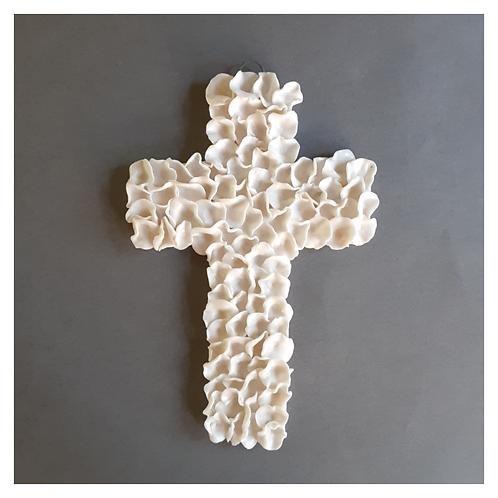 Small Ruffled Cross