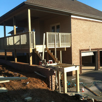 Back deck that extends to lower area