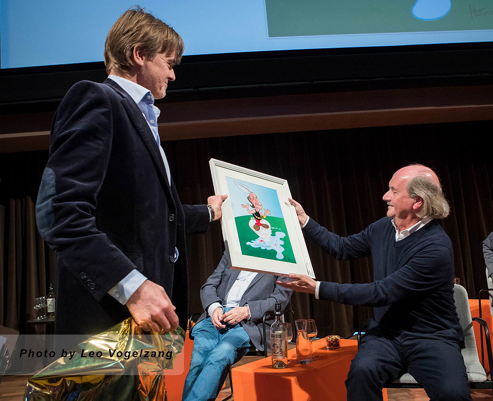 Henri Goldsmann presenting Cartoon to famed Producer Jef Rademakers at Museum for Picture and Sound