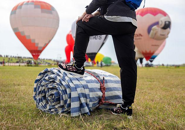 Asics e loja Size  homenageiam festa japonesa de balões neste novo ... 5ca5b6ee723bd