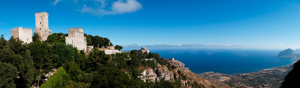 Panorama_from_Erice,_Sicily,_Italy_(4890