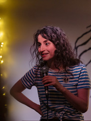 Carmen Chraim Hosting