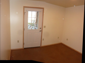 NW Room W Wall and NW Corner