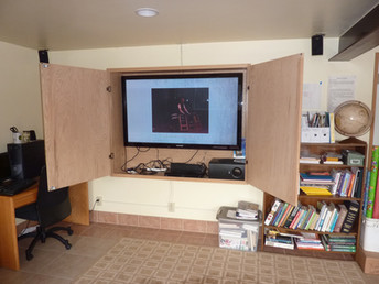 60 inch TV with Sorround Sound for Presentation