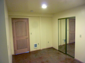 Middle Bedroom NW Corner