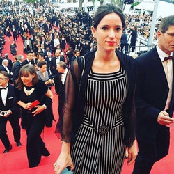 _emilielesclaux veste Casa Juisi no Red carpet #cannes2016 com o filme Aquarius