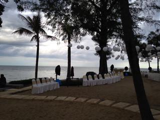 Showtime at Radisson Beach Resort...Hua Hin-Bangkok !! Beautiful Beachside Venue for tonight's S