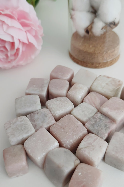 Cube en opale rose