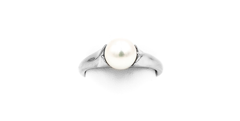 White Gold Culture Pearl Ring