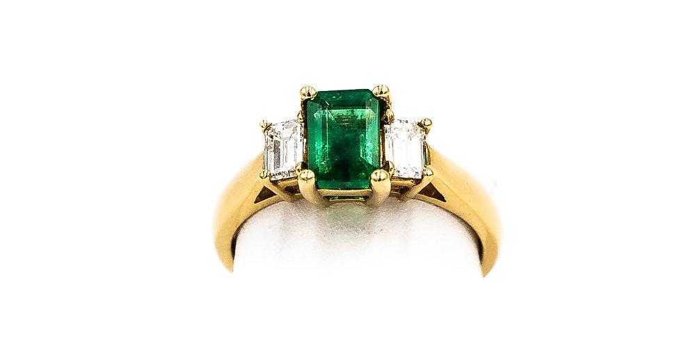 Yellow Gold Emerald Shape Emerald Prong Set Ring