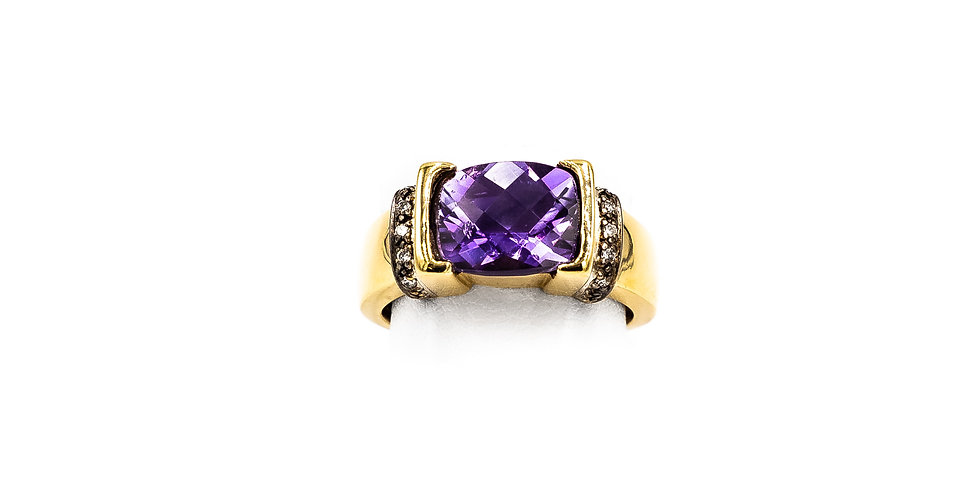 Yellow Gold Emerald Shape Amethyst Facet Ring
