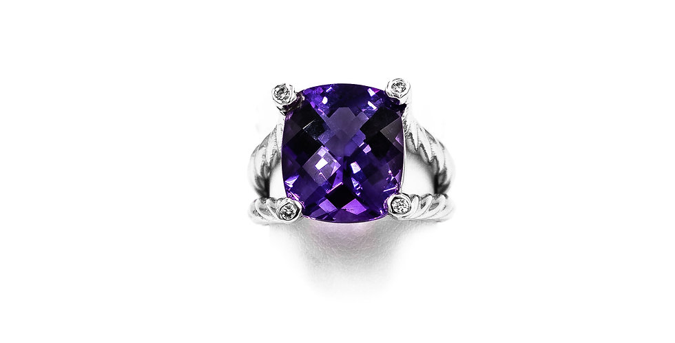 White Gold Cushion Amethyst With Prongs In Diamonds