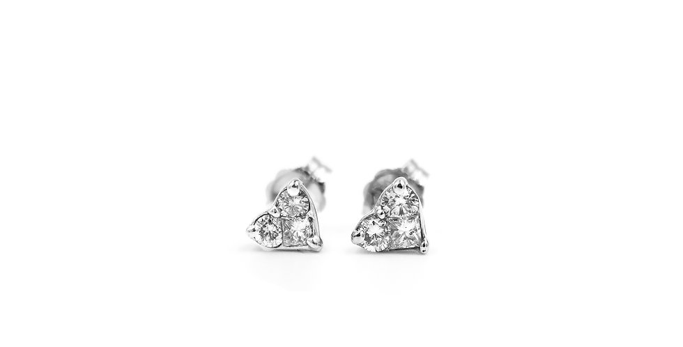 Heart Shape Classic Diamond Stud