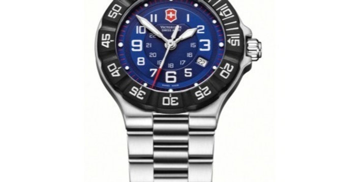 Victorinox Swiss Army Summit XLT Stainless Steel Watch 241415